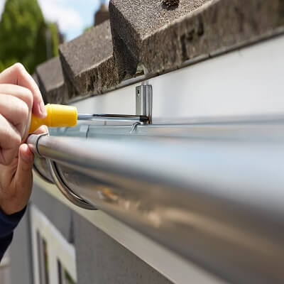 Gutter Replace Re-secure